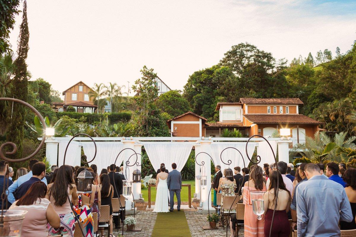 Aline e Thalles - Casamento realizado no Sposato festas em Leopoldina e registrado pelo fotógrafo de casamento Edu Nogueira. Fotografia de casamento.