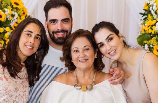 Aniversário 70 anos Helena - Evento realizado no Recanto do Lago em Leopoldina e registrado pelo fotógrafo de família Edu Nogueira. Fotografia de Família.